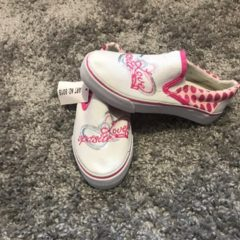Кеди, взуття
