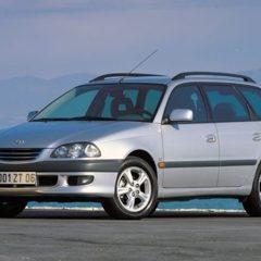 Двері на Тойота Авенсіс (Toyota Avensis) 1999р.в.