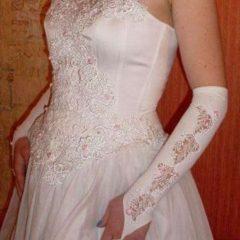 Продається весільна сукня під шию (американка) і рукавички з мереживом.