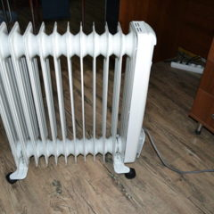 Продам масляний радіатор (електрообігрівач) Термія Н 1220. Торг.