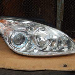 Продам ФАРУ білу Hyundai i30