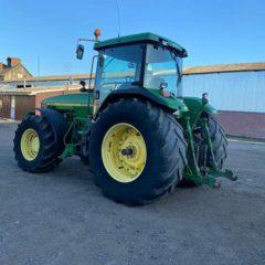 трактор John Deere 8400 1999г.в. нараб. 13500м.ч. Мощность: 260л.с. КПП: