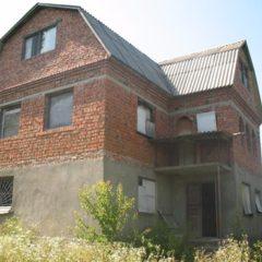 Продам будинок в мальовничому місті м.Дунаївці