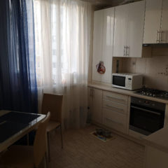 Продам 2-кімнатну квартиру з євроремонтом з індивідуальним опаленням.