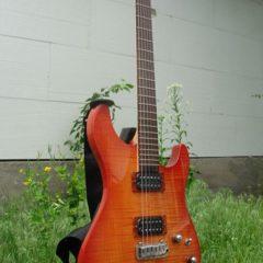 """Електрогітара """"Yamaha RGX 620Z""""."""