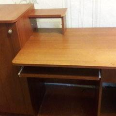 Продам стіл комп'ютерний
