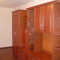 Чудова квартира є меблі холодильник без пральної, вже вільна