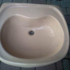Умивальник у ванну, сантехнічний форфор