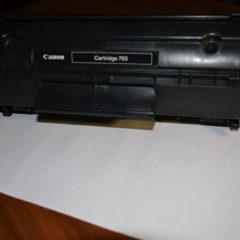 Продам картридж Canon 703, торг
