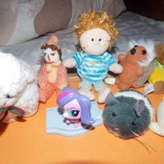 М'які іграшки: їжачок, ведмедик, павучок