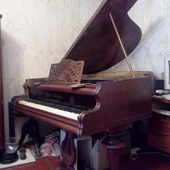 Продам антикварний кабінетний рояль